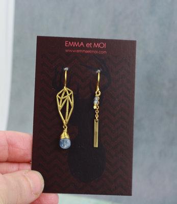 Gouden blauw asymmetrische grafische oorbellen met kyanite