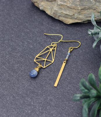 Asymmetrische grafische oorbellen met kyanite