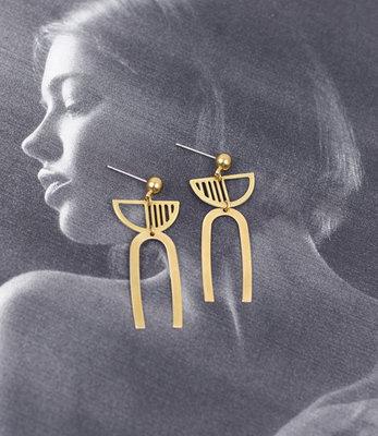 Gouden oorbellen halve maan stekers