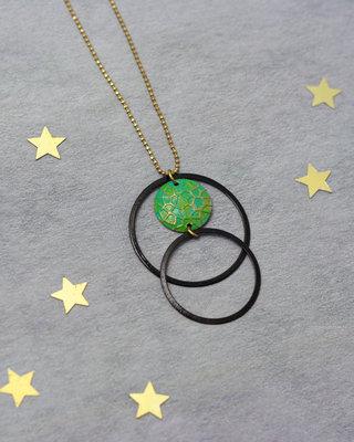 Zwarte cirkels ketting