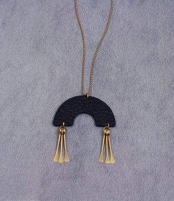 Lange U-vorm halve cirkel zwart gouden ketting